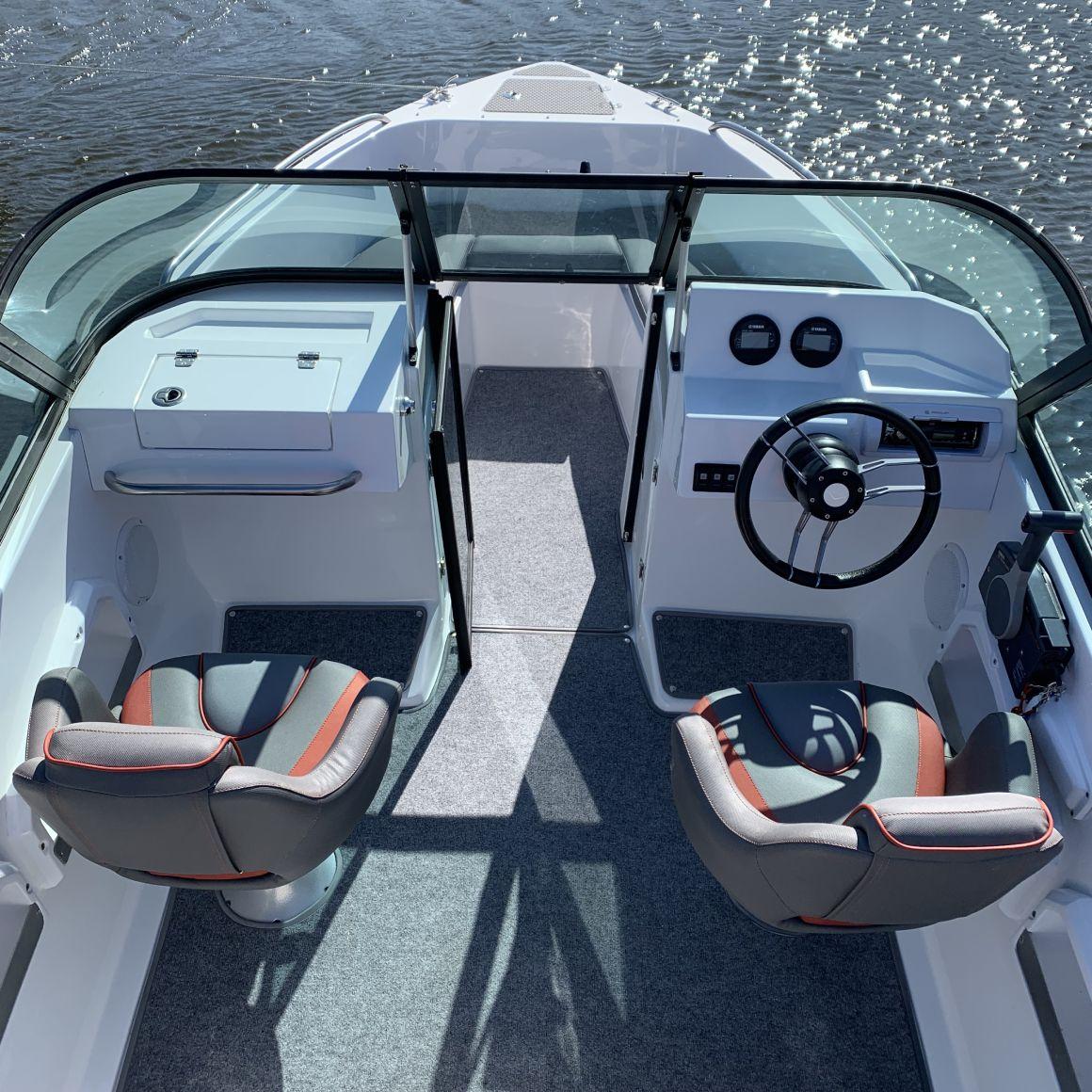 палуба лодки виктори 515